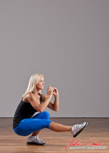 Single-Straight-Leg-Squat-3-Julie-Lohre